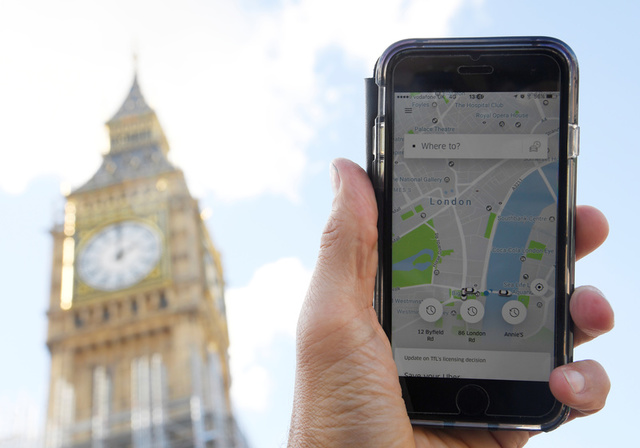 Uber CEO Tweets 'Pls Work W/Us' as Uber Deemed Unfit and Stripped of London License