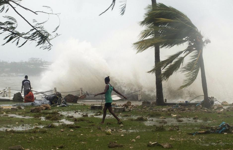 Vanuatu Volcano Threatens to Erupt, Thousands Evacuated to Emergency Shelters