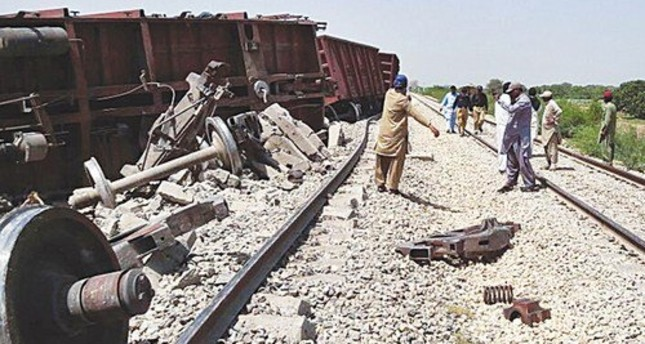 Blast Hits Train in Southwestern Pakistan; At Least Six Hurt