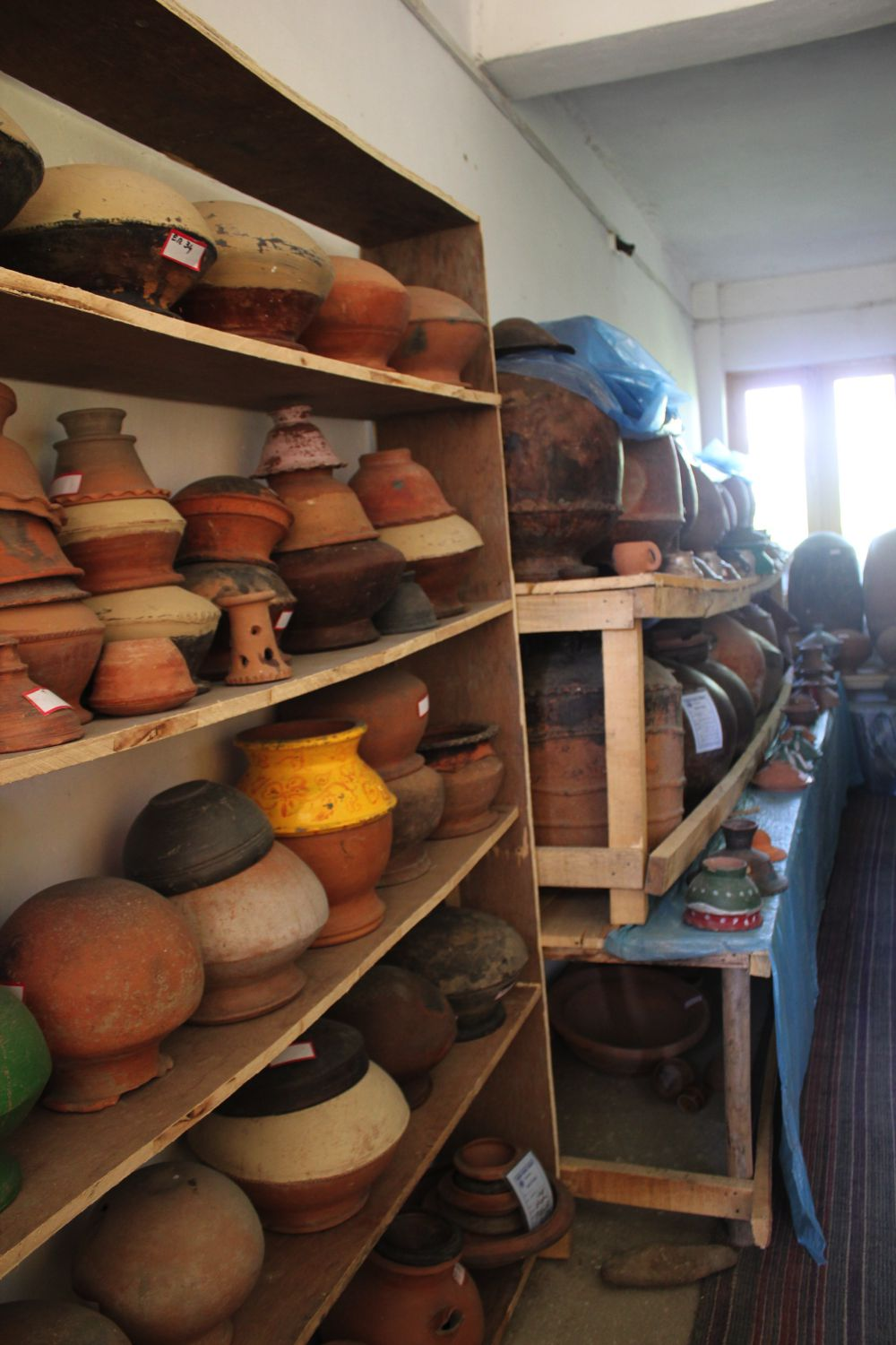 A collection of ancient pots and containers in which food and other items were stored. Credit: Bhavneet Kaur