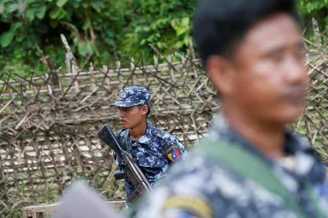 Rohingya Militants' Ceasefire Ends in Myanmar, No Attacks Reported