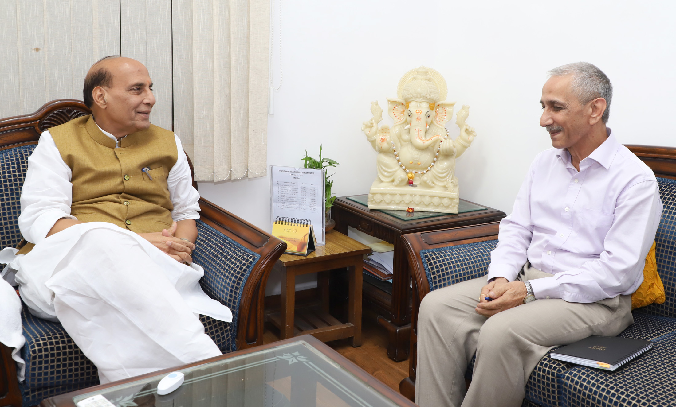 Dineshwar Sharma, former director of Intelligence Bureau, calling on Union home minister Rajnath Singh after being appointed as the representative of government of India to initiate dialogue in Jammu and Kashmir, in New Delhi on October 23, 2017. Credit: PIB