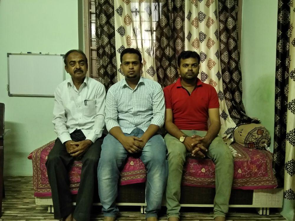 Sadiq Shaikh, Mohsin's cousin Shoeb and brother Mubin Shaikh. Credit: Scharada Dubey