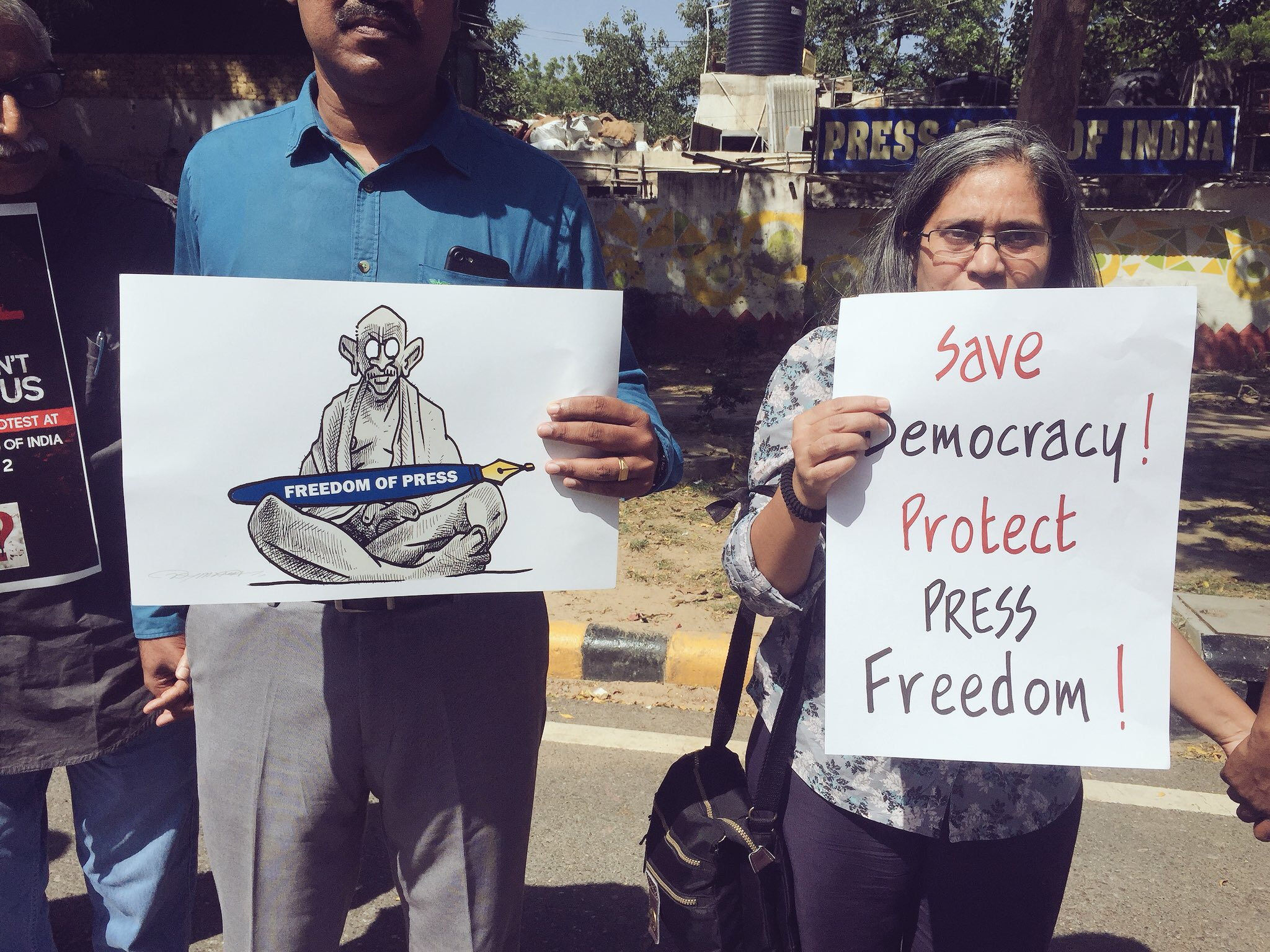 Journalists Across Country Protest Attack on Media, Demand Report from Centre