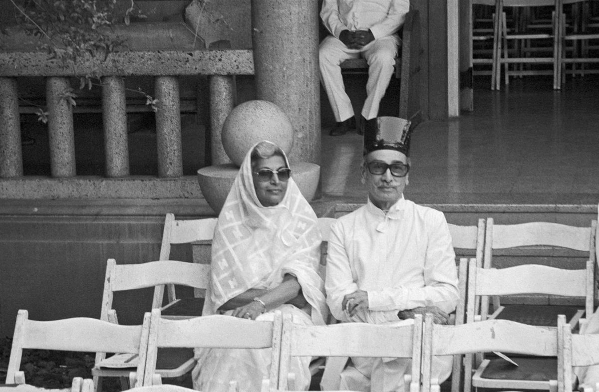 Jehangir Sabavala at funeral prayers for JRD Tata, Bombay 1993. Image Copyright ©Sooni Taraporevala, Image Courtesy: Sunaparanta