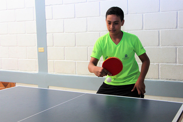 Jeffrey Sierra, 13, never imagined that he would form part of the national table tennis team, and now he even dreams of becoming a coach, going to university, and becoming someone important someday, even though he lives in one of the poorest neighbourhoods in the Honduran capital. Credit: Thelma Mejía/IPS