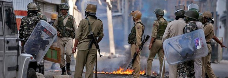 Police and Locals Tussle As Militancy Returns to Bandipora's Hajin Town