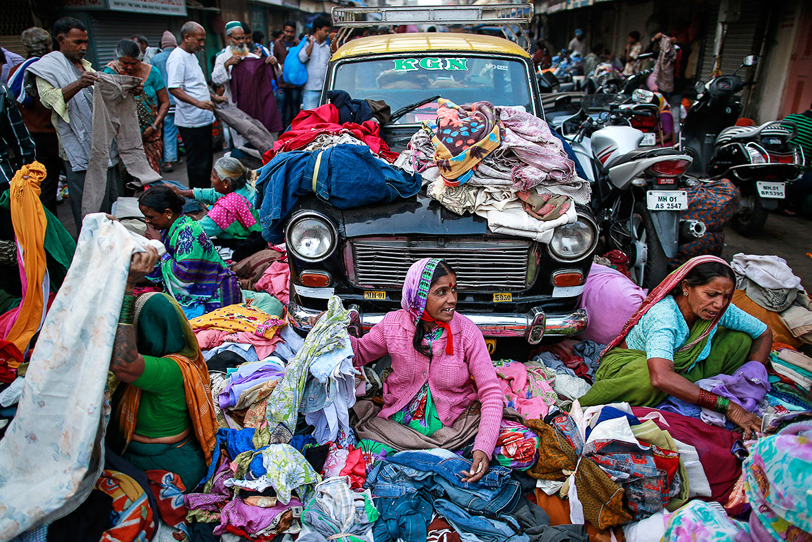 Street sellers in Mumbai. Credit: Danish Siddiqui/Reuters