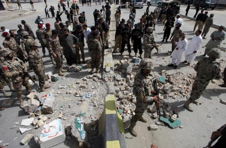 At Least Six Killed in Pakistani Blast Aimed at Security Forces