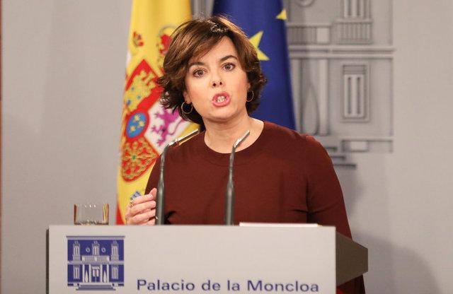 Spain´s Deputy Prime Minister Soraya Saenz de Santamaria makes a statement at the Moncloa Palace in Madrid, Spain, October 10, 2017. Credit: Reuters