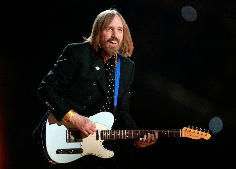 Singer Tom Petty and the Heartbreakers perform during the half time show of the NFL's Super Bowl XLII football game between the New England Patriots and the New York Giants in Glendale, Arizona, U.S., February 3, 2008. Credit: Reuters