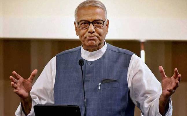 Sulking BJP leader Yashwant Sinha to visit Gujarat on Congress' invitation