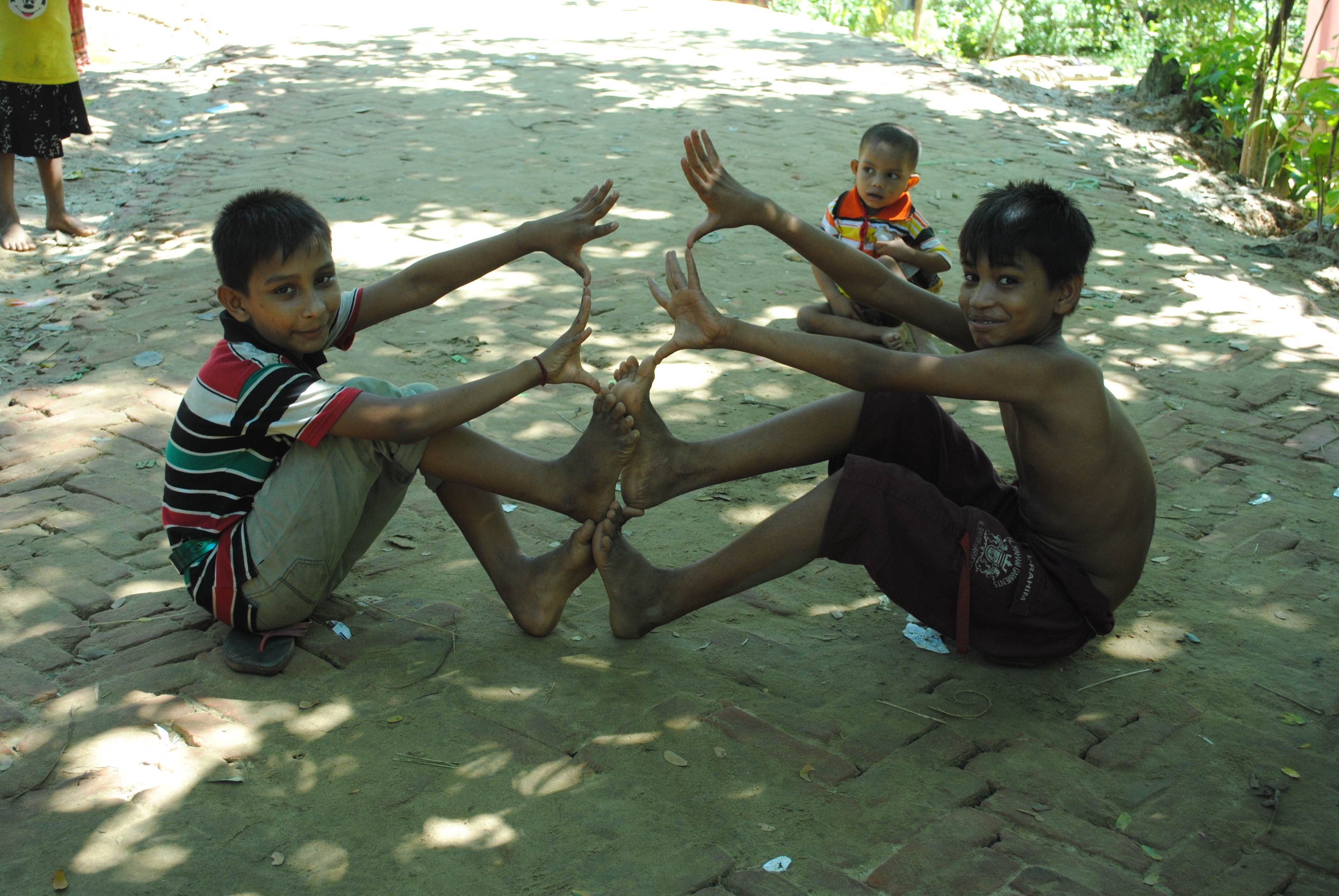 Children playing at a camp of Hindu refugees in Kutupalong. Credit: Rajeev Bhattacharyya