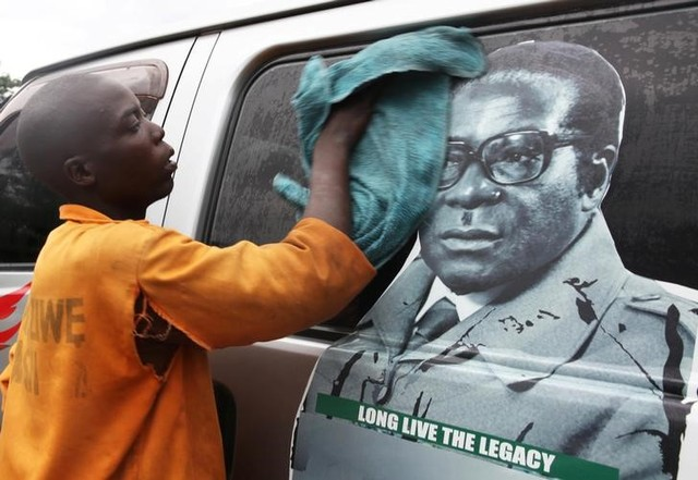 Zimbabwe: Mugabe's Fate Hangs in the Balance Amid Coup Confusion