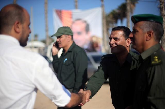 Hamas Cedes Gaza Border Crossings Control to Palestinian Authority Control