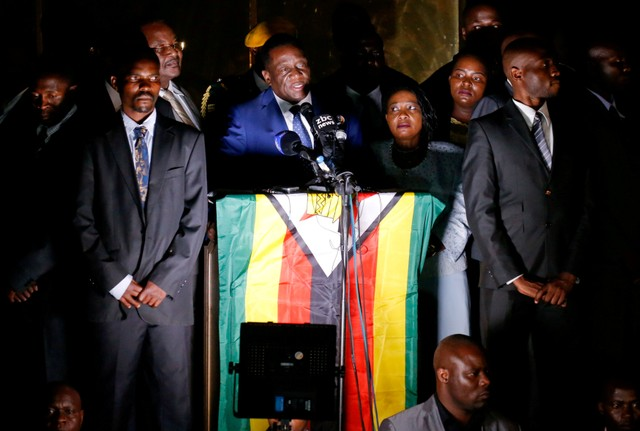 Zimbabwe's former vice president Emmerson Mnangagwa, who is due to be sworn in to replace Robert Mugabe as president, addresses supporters in Harare, Zimbabwe, November 22, 2017. Credit: Reuters/Mike Hutchings/Files