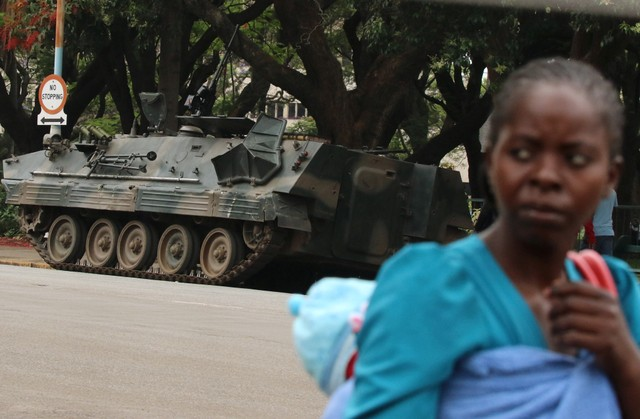 Armoured vehicle is seen outside the parliament in Harare, Zimbabwe, November 16, 2017. Credit: Reuters/Philimon Bulawayo
