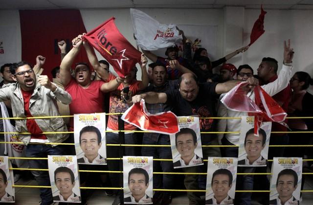 Salvador Nasralla Set to Beat Incumbent Juan Orlando Hernandez in Honduran Presidential Polls