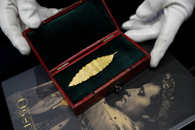 Golden Leaf Cut From Napoleon's Crown to be Auctioned in France