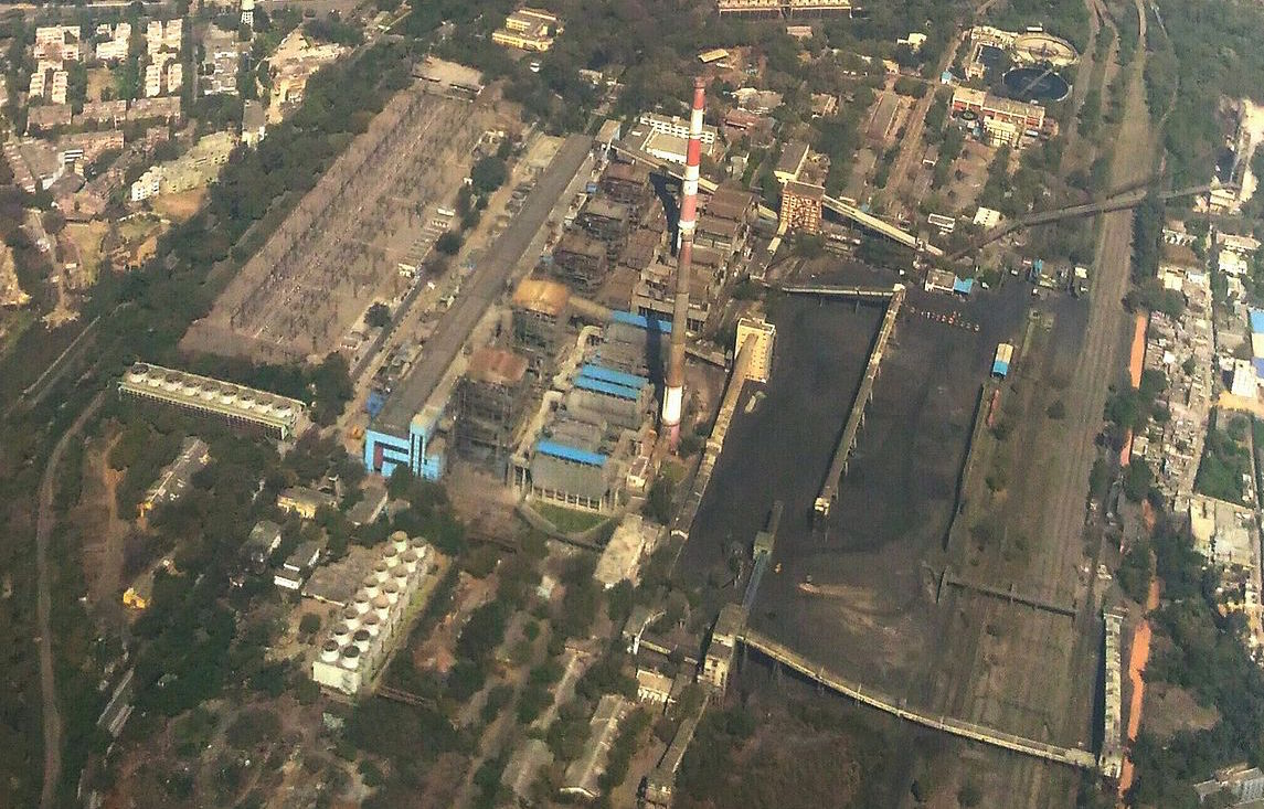An aerial view of Badarpur thermal power station. Credit: Sumita Roy Dutta/Wikimedia Commons, CC BY-SA 4.0