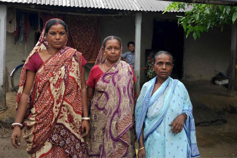 Forty-one women from the village Sakhisol have formed a forest protection committee in Arabari Reserve Forest, West Bengal, India. Photo by Shreya Dasgupta for Mongabay.