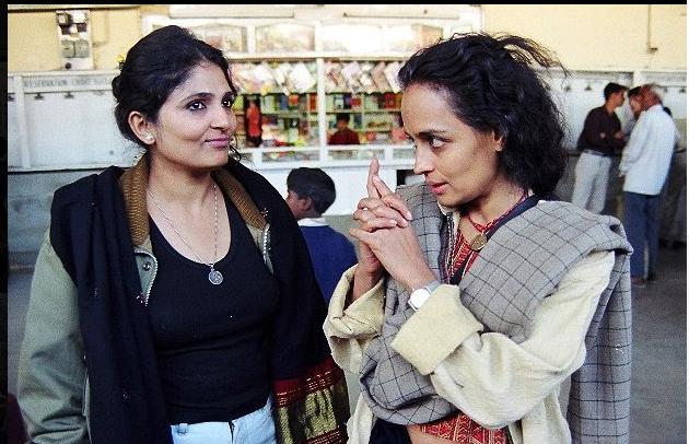 Jharana Jhaveri with Arundhati Roy. Credit: Facebook/Jharana Jhaveri