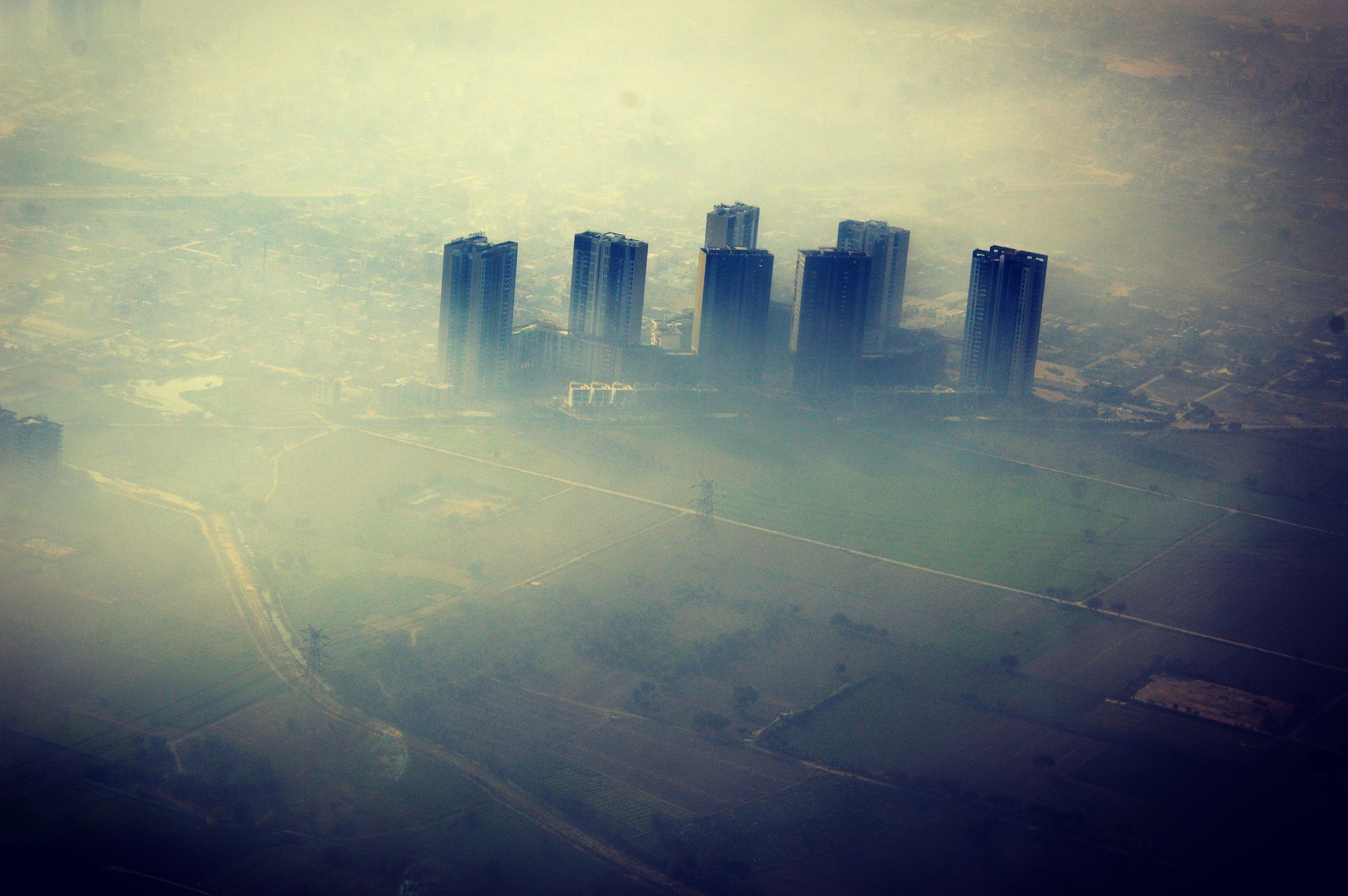 Debate: Delhi's Smog and Climate Change Are Separate Environmental Crises