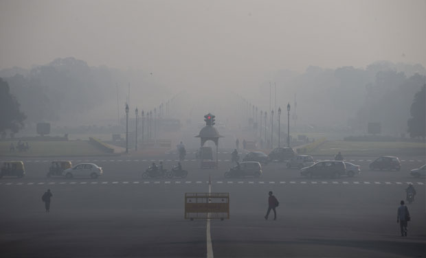 Delhi's Air Quality Beyond 'Severe' for Third Day After Dust Storms in Western India