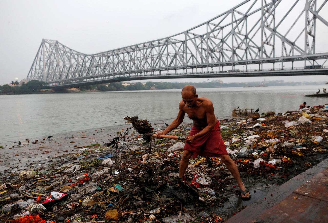 Watch | Modi is a Master Campaigner for Cleaning Ganga Without Doing Anything: Rajendra Singh