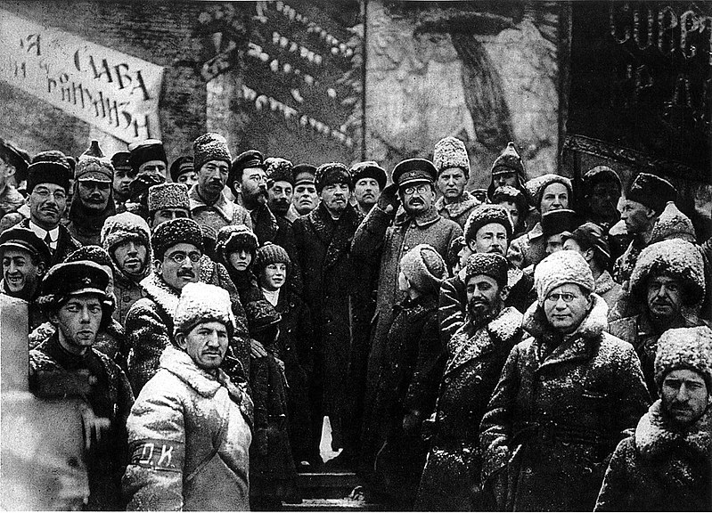 Soviet leaders celebrate the second anniversary of the October Revolution. Credit: Wikimedia Commons