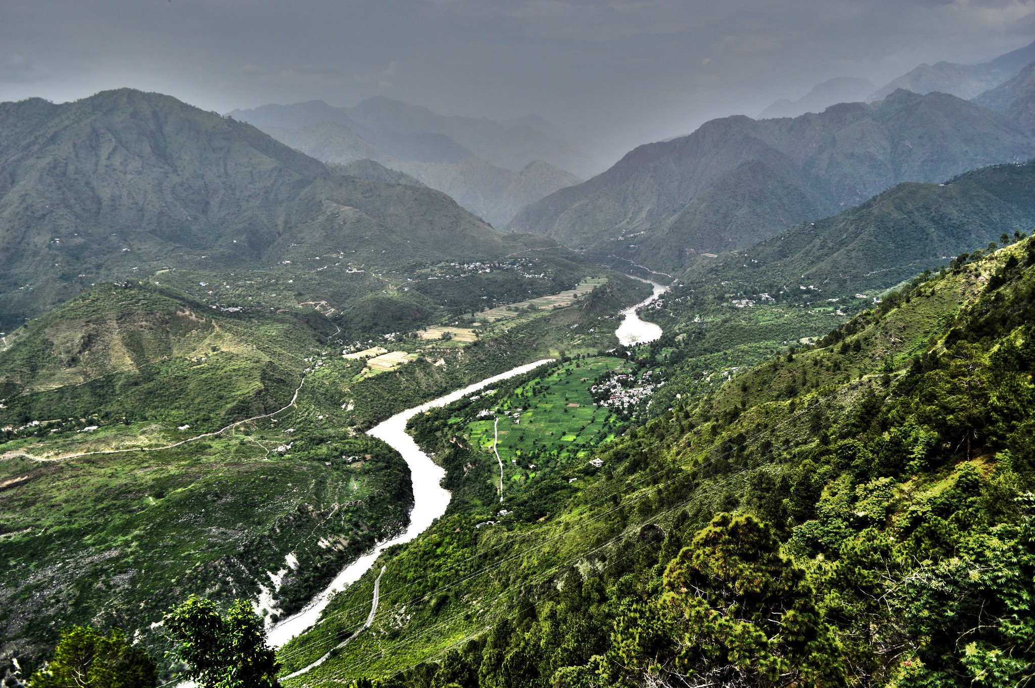 The Sutlej river winds its way through Shimla, Himachal Pradesh. Credit: darshansphotos/Flickr, CC BY 2.0