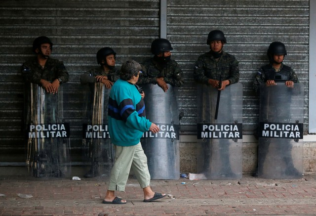 Honduras: Army Enforces Curfew as Demonstrations Continue Over Presidential Elections