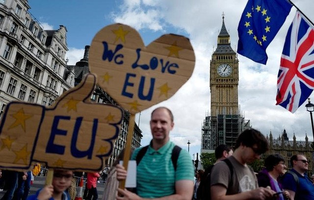 Brexit: Opinion Poll Finds Half of Britons Support a Second Vote