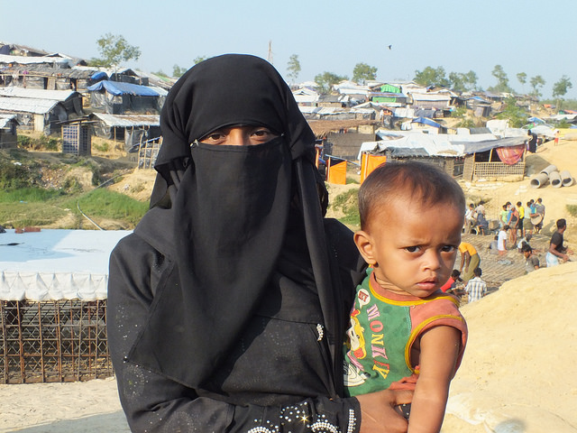 A Rohingya woman and child at Kutupalong camp, about 35 km from Cox's Bazar in Bangladesh. Credit: Naimul Haq/IPS
