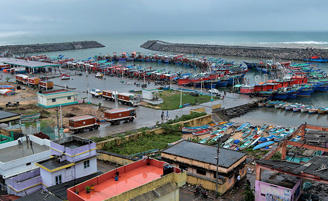 Cyclone Ockhi: Tamil Nadu Requests Centre for Navy, CG Helicopters for Search and Rescue